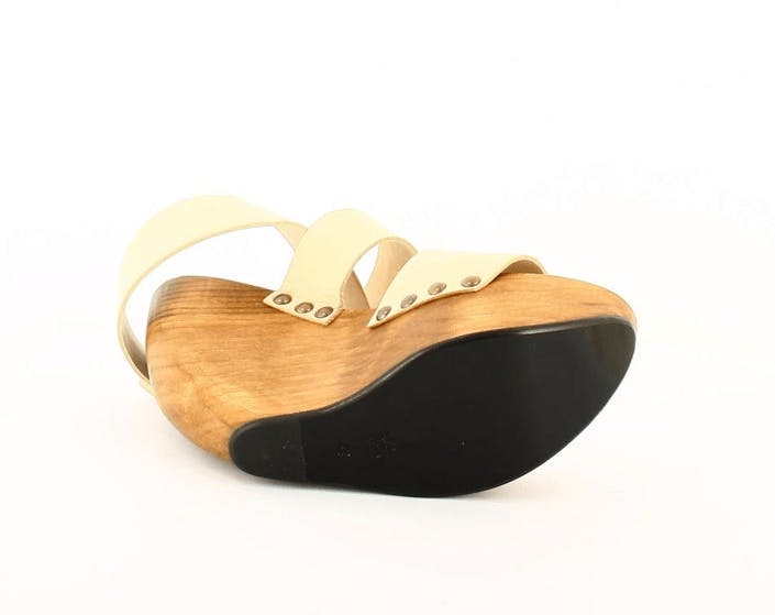 Space Shoe Wood Wedge Sandal White