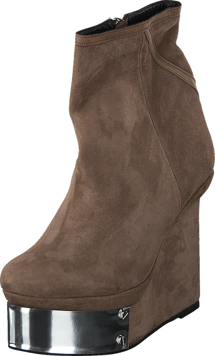 Plate Boot Clay