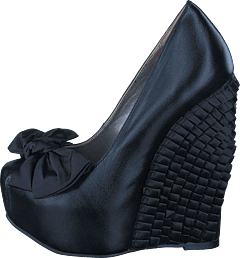Ruffled wedge