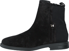 Essential Flat Boot Black