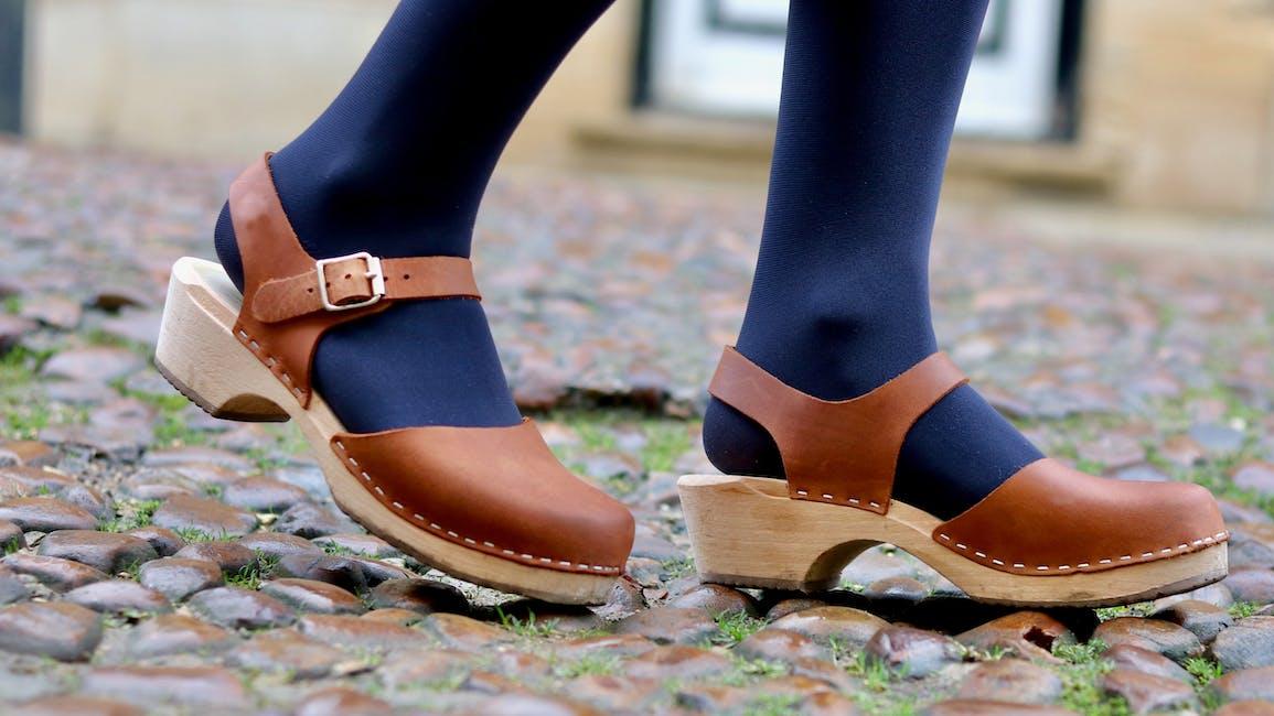 lavhælede sandaler