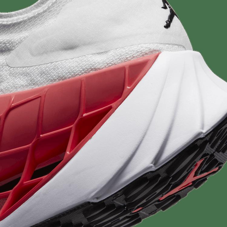 Zoom Trunner Ultimate White/Black-Flash Crimson-Spruce Aura