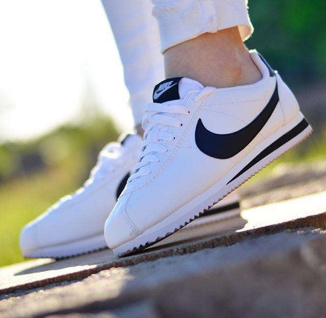 Kjøp Nike Classic Cortez Leather Whiteblack sko Online