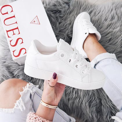 374b6c3f Guess Shoes Online - Europe's greatest selection of shoes | FOOTWAY ...