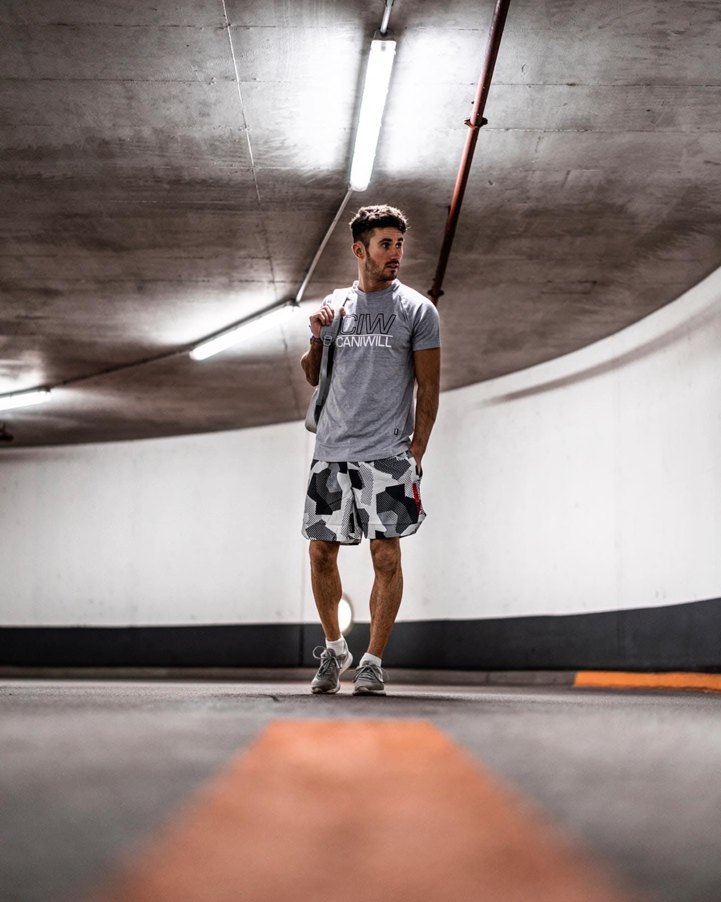 Kjøp Nike Women's Tanjun Wolf Greywhite sko Online   FOOTWAY.no