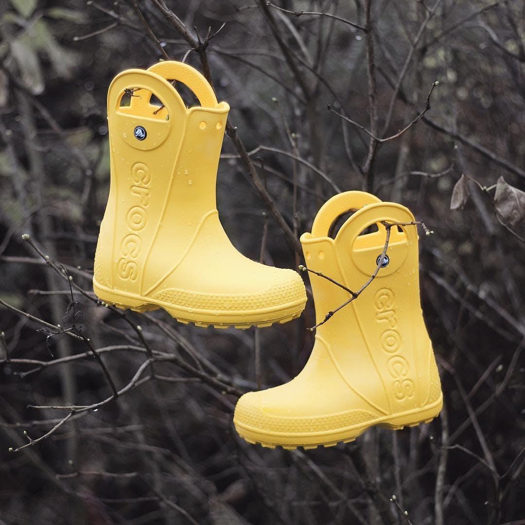 Köp Crocs Handle It Rainboot Yellow C13 (30 31) i