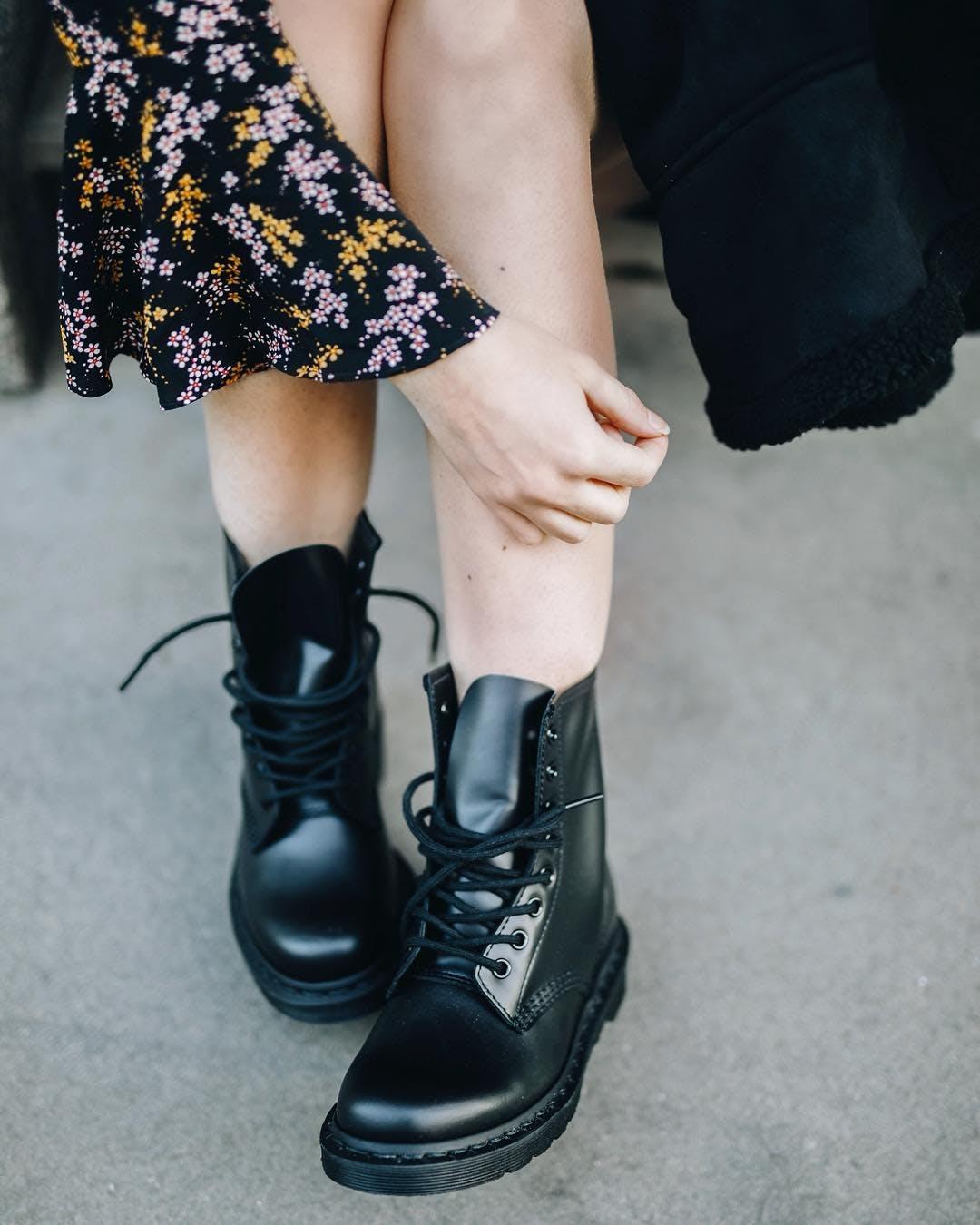 1460 8 eye boot Mono Smooth Black