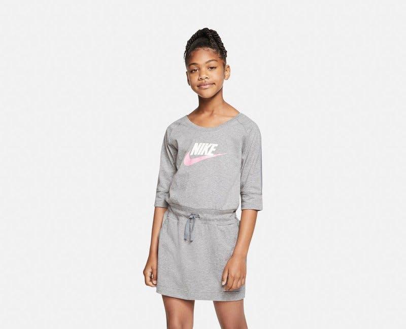 Klänning Nike.jpg