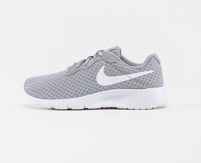 Sneakers Nike .jpg