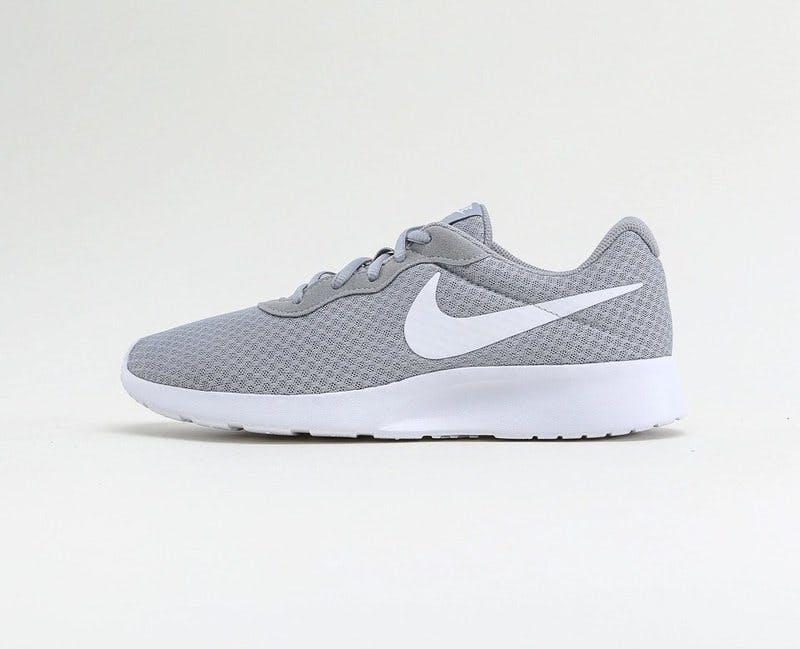 Tanjun sneakers