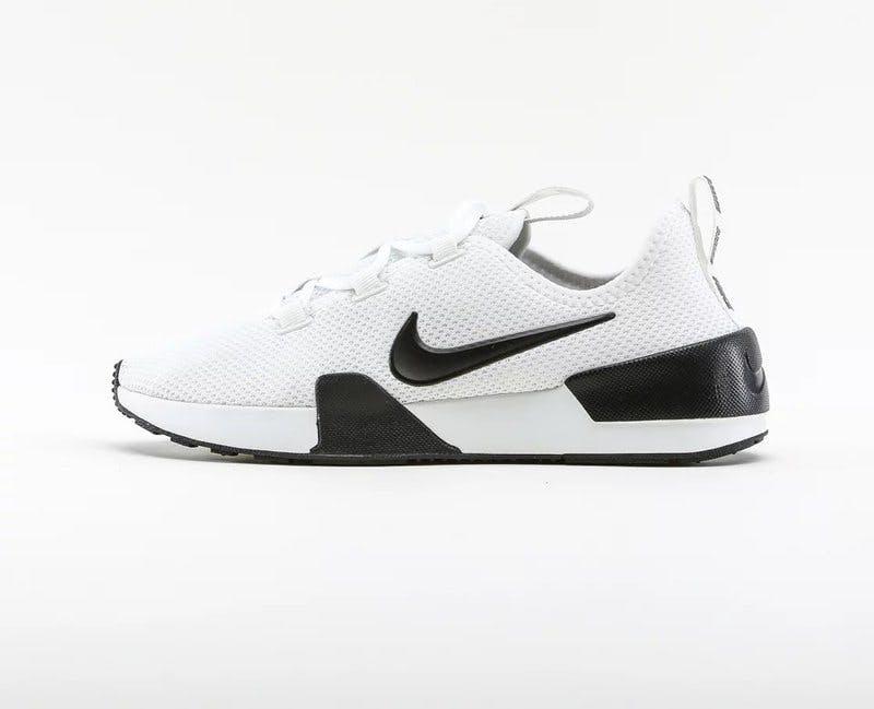 traningsklader-rea-nike-sneakers.jpg