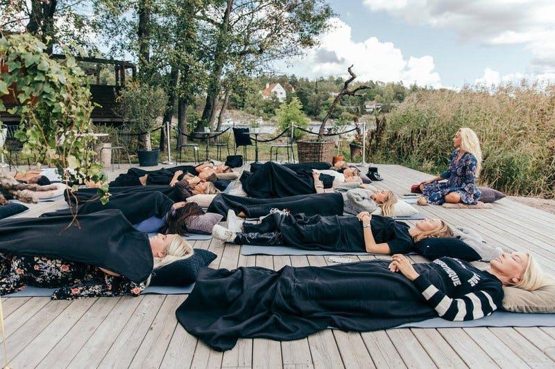 yoga nidra grupp